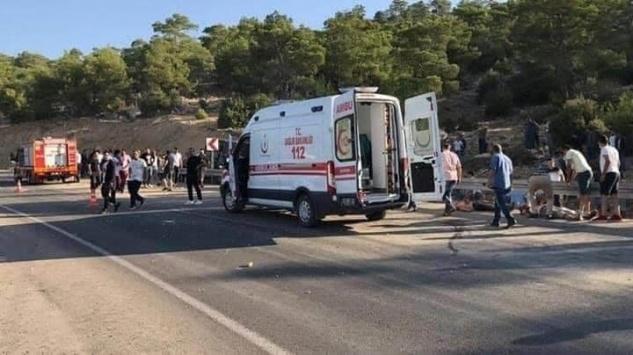 Mut'ta trafik kazasında 4 asker şehit oldu