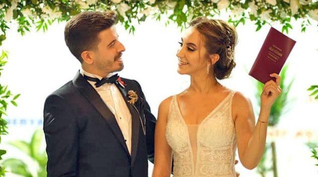 Durmuş Deniz'in kızı Ezgi evlendi