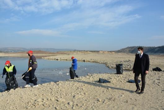 Büyükşehir barajı temizledi