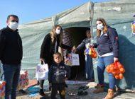 Büyükşehir'den tarım işçilerinin çocuklarına hediye