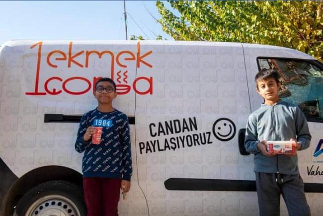 """BAŞKAN SEÇER'İN TALİMATIYLA """"1 Ekmek 1 Çorba"""" PROJESİ, ANAMURDA BAŞLADI"""