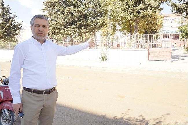 """Vatandaş Büyükşehir belediyesine soruyor, """" Yolumuz ne zaman yapılacak"""""""