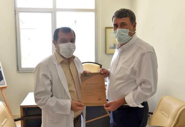 Kılınç'tan Anamed'in kampanyasına kitap bağışı