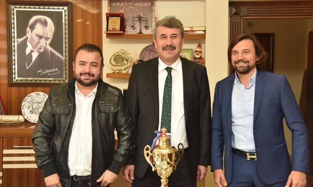 Kupayı Başkan Kılınç'a getirdiler